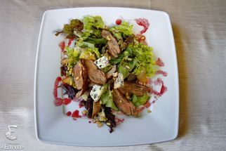 Salad with duck breast and cheese Dor Blue
